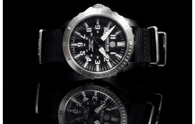 TITANIUM TRITIUM T-100 LEFTY DIVER QUARTZ DAYNIGHT COLLECTION