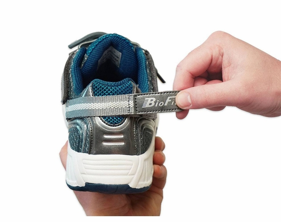 Tie-Less Athletic Shoes|Healthy Feet