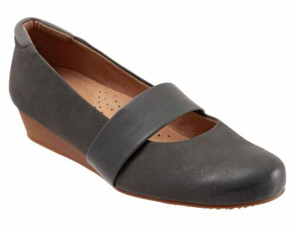 Softwalk Winona - Women's Slip On Shoe