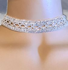 CRYSTAL CHIME CHOKER SET