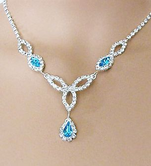 FASCINATION AQUA RHINESTONE NECKLACE AND EARRINGS SET
