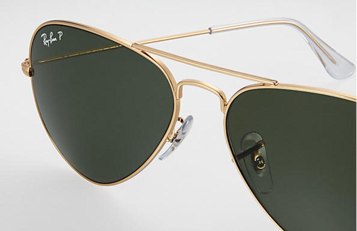 28e1f35523 Ray-Ban Aviator Classic Sunglasses with Gold Frame Polarized Green Classic G -15 Lens - The Warming Store