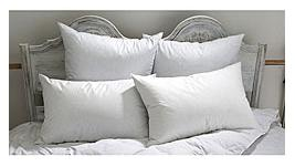 Down Etc. Aria Combo Pack- Fairfax Synthetic Standard Pillow & 75% White Goose Feather 25% White Goose Down Pillow (4 Pillows)