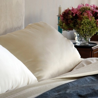 Down Etc. ® Fairfax Firm Synthetic Standard Pillow- Features at Aria Hotel (4 Standard Pillows)