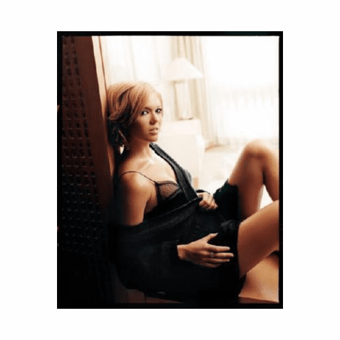Mandy Moore Poster 24inx36in