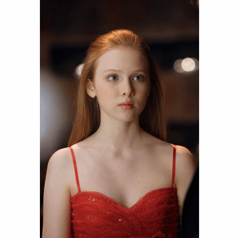Molly Quinn poster 24inx36in Poster