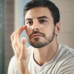Peter Thomas Roth Uses Traditional and Advanced Skincare Technology