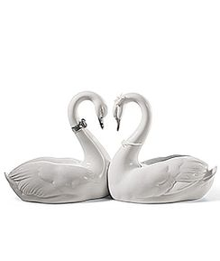 Endless Love Swans Silver Lustre