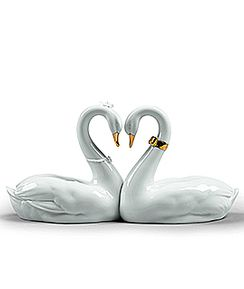 Endless love Swans Golden Luster