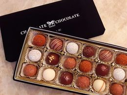 Suisse Laderach 18 Piece Truffle Gift Box