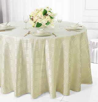"132"" Round Plaid Polyester Jacquard Tablecloths - Ivory 87702(1pc/pk)"