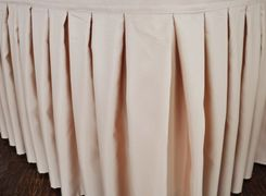 "21'x29"" Accordion Pleat Polyester Table Skirts - Champagne 72328 (1pc/pk)"