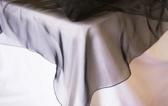 "90"" Round Organza Table Overlay - Black 55039(1pc/pk)"