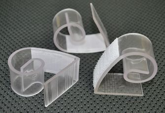 """(Fit 1""""~ 1.5"""" Thickness Table) Adjustable Clear Plastic Table Skirt Clips - 72110 (12pcs/pk)"""