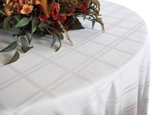Round Plaid Jacquard Polyester Tablecloths (4 sizes)