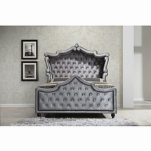 Bedroom King Canopy Beds by Meridian Furniture