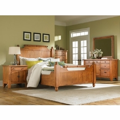 Broyhill Attic Heirlooms 5 Piece Feather Queen Bedroom Set
