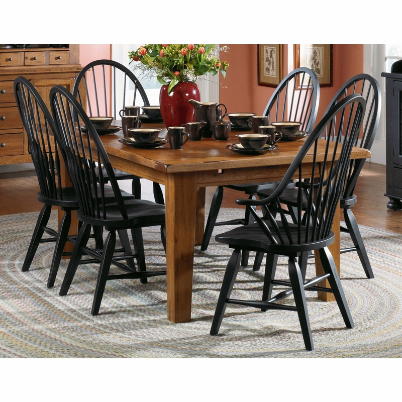 Broyhill Attic Heirlooms Dining Room Set F