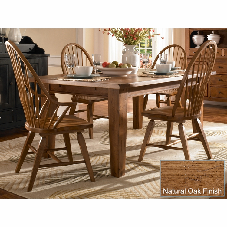 Broyhill - Attic Heirlooms Natural Oak Finish Dining Room Set A