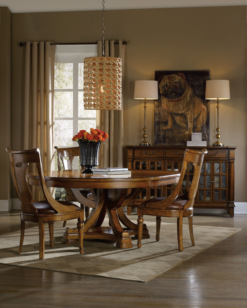 Hooker Furniture Tynecastle Round Pedestal Dining Table With One 18