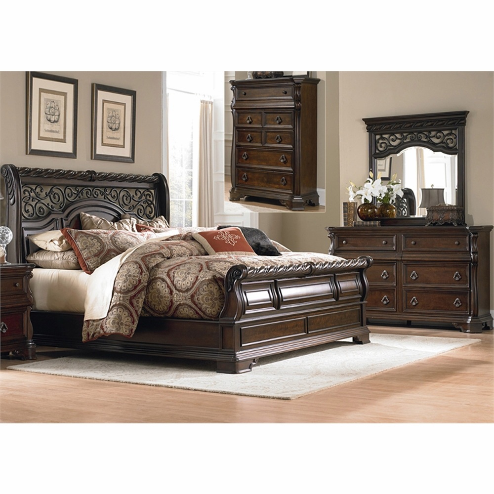 That Furniture Place: Arbor Place 4 Piece King Sleigh Bed