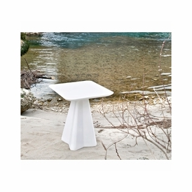Outdoor Tables by Domitalia
