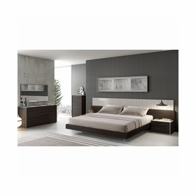Queen Bedroom Sets by J&M Furniture