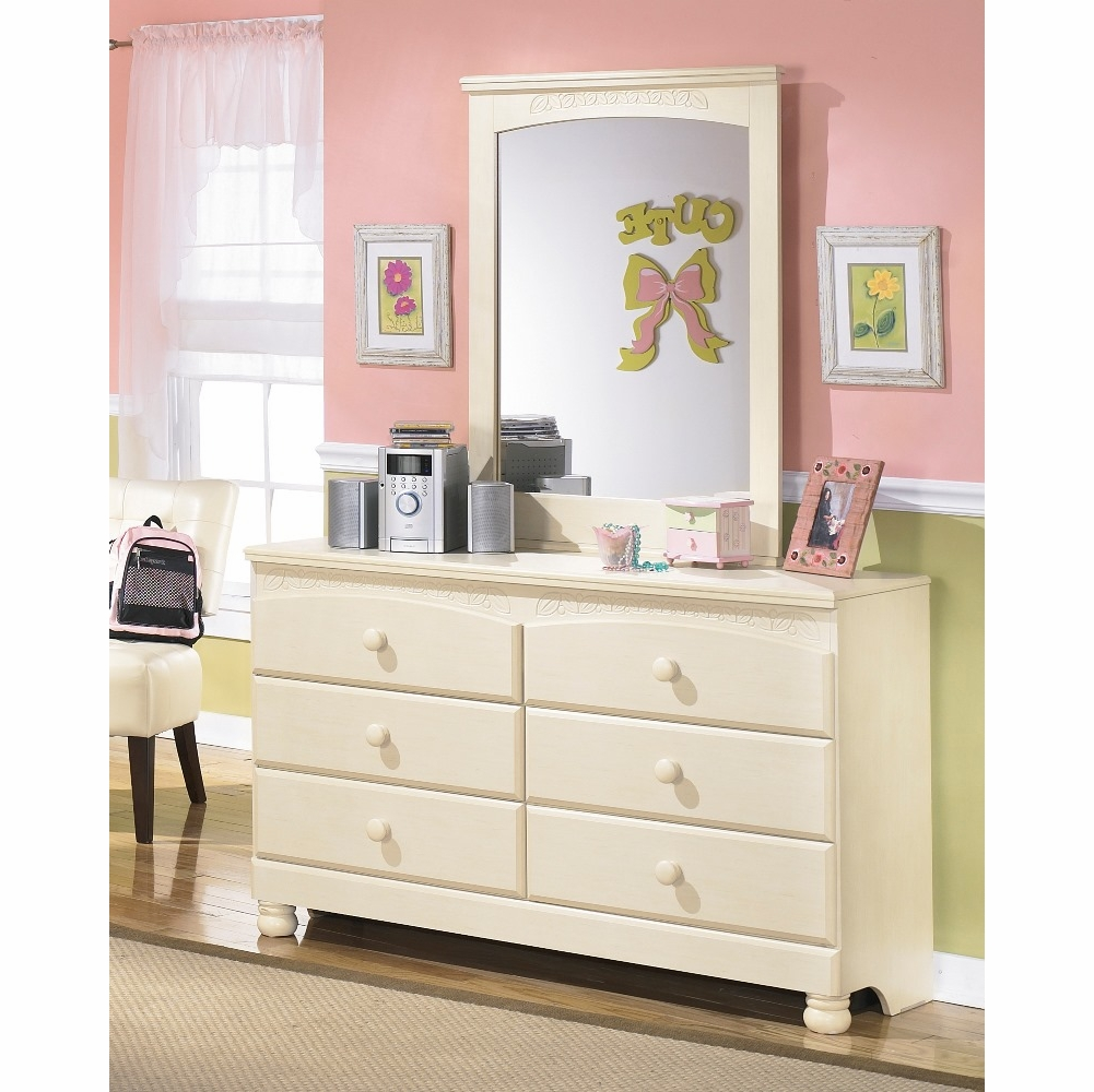 Signature Design by Ashley - Cottage Retreat Bedroom Dresser and Mirror -  B213-21_35