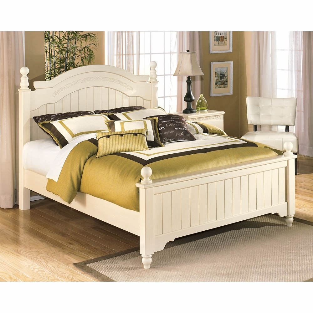 Signature Design By Ashley Cottage Retreat Queen Poster Bed