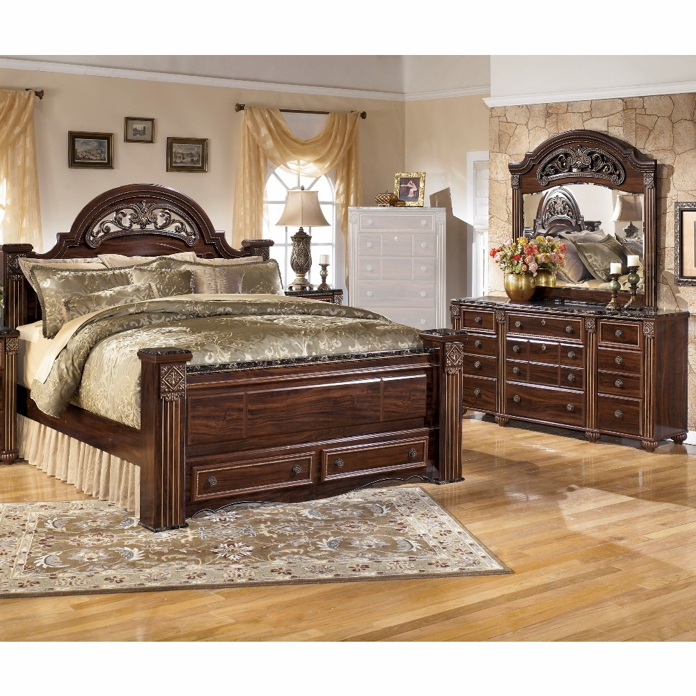 Signature Design By Ashley Gabriela 3 Piece Queen Poster Bedroom Set