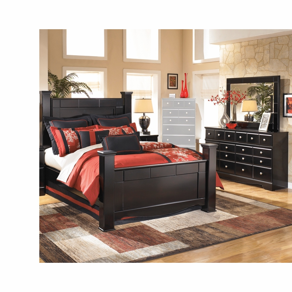 Signature Design By Ashley Shay 3 Piece Queen Poster Bedroom Set