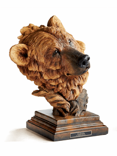 Timberline � Brown Bear Sculpture