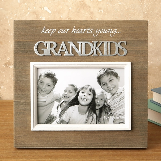 Wood Frame with Raised Metal Words 6 x 4 Grandkids