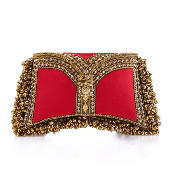 Nargis Clutch in Red