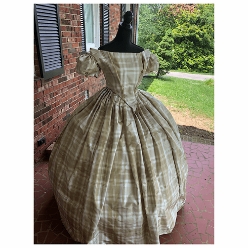 Simply Elegant Tan & White Silk Taffeta Civil War Ballgown*38