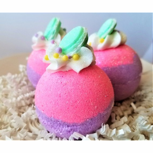 Sugared Macaroon Bath bomb