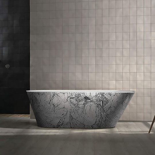 Freestanding Bathtub | Black and Silver