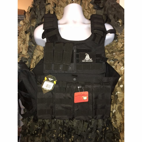 "Condor Black Gunner Carrier & Molle & (2) Level III 10x12"" AR500 Plates"