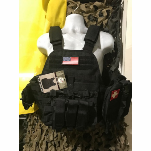 """Rothco USA Tactical Black Carrier, Molle & (2) 10"""" x 12"""" Tactical Cut Level III Plates"""
