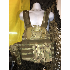 "Voodoo ""Warrior"" X-Lite Multicam Carrier & (2) 10""x12"" AR500 Comfort Curved Plates AR Kangaroo Version"