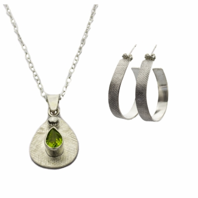 Peridot Pendant and Checkered Hoop Earrings Gift Set