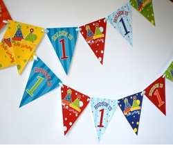 Party Hats<br>Personalized Mini Banner Set