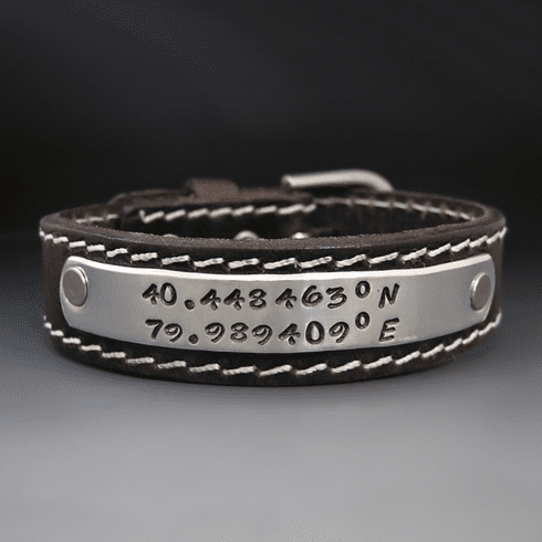Personalizd Leather Buckle <br>Bracelet  {3/4 inch Wide }