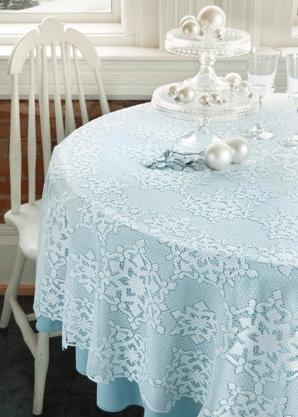 Glistsen Round Tablecloth
