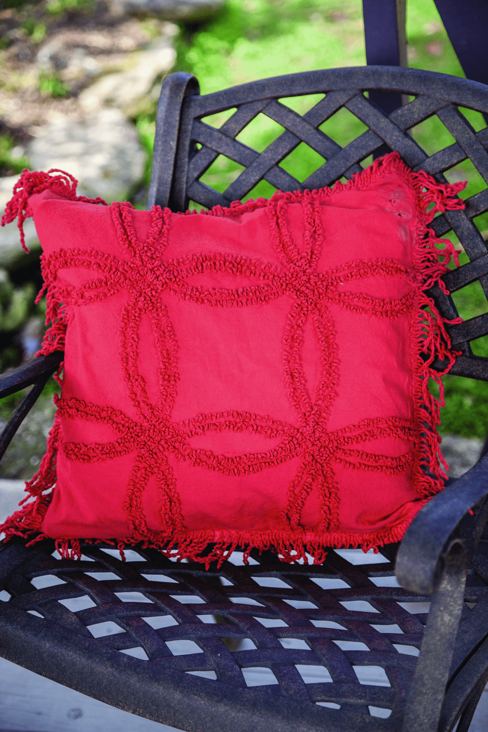 Red Vintage Tufted Cotton Pillow