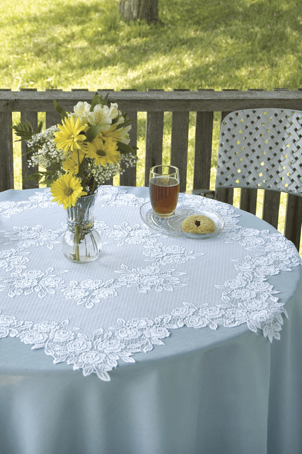 Tea Rose Round Table Topper