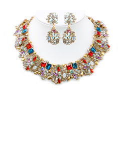 Glamorous Necklace with Earrings