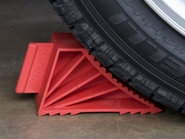 Ernst 980 High-Grip Wheel Chocks, Red, Set of 2