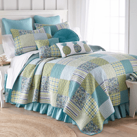 Blue Patch Paradise Quilt - Full/Queen - OVERSTOCK