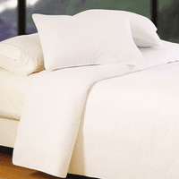 Hampton White Matelasse Quilt - King